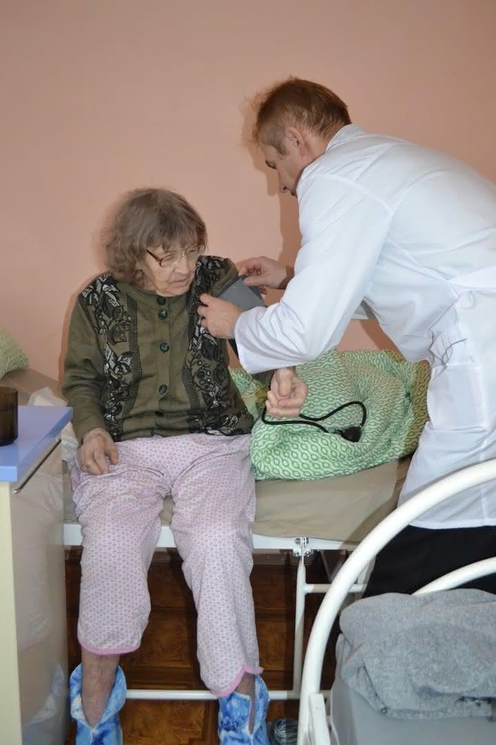 Пансионат для пожилых в кировской области дом престарелых шымкенте