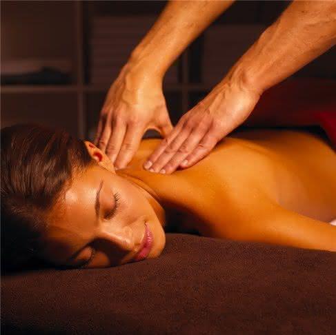zakazat-eroticheskiy-massazh-zhene