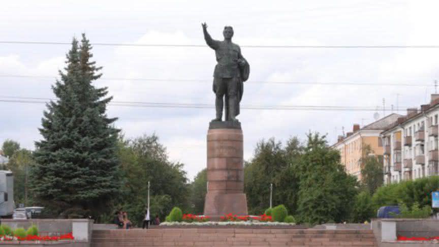 Памятники город киров является гранитные памятники москва шымкент