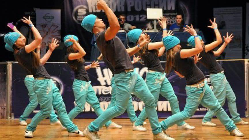 4f1d33fc5c6 Красивые костюмы в современных направлениях танцев — ikirov.ru ...