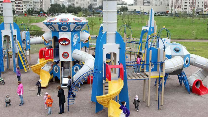 Детская площадка: особенности выбора